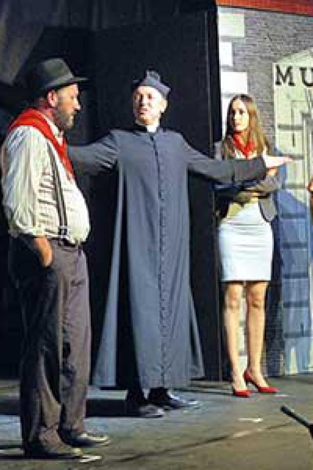 LA GRANDE BAGARRE DE DON CAMILLO @ Théâtre Robinson - MANDELIEU LA NAPOULE
