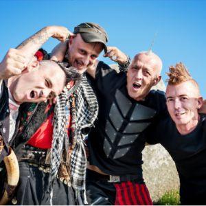 Les Ramoneurs De Menhirs + Busker & Keaton