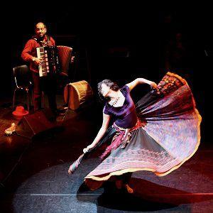 AU PARADIS TOUTES LES FEMMES SONT TZIGANES  @ Chapiteau du Cirque Romanes - Paris