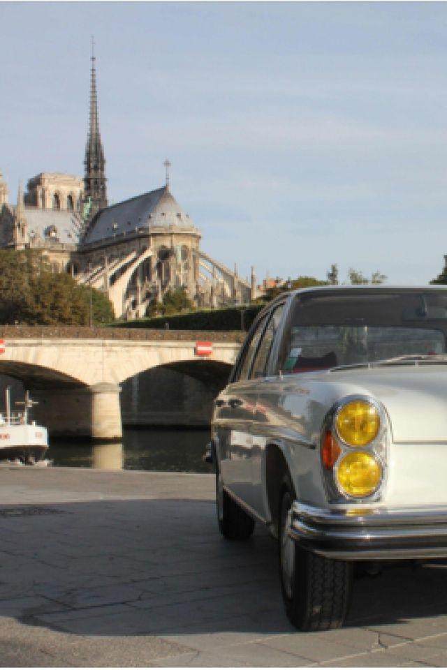 Balade Rive Gauche VIP en Mercedes 280 SE @ Place du Panthéon - PARIS