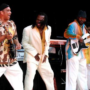 Al Mckay's Earth Wind And Fire Experience