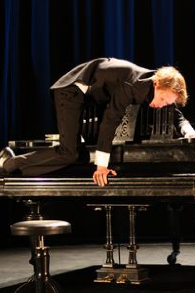 THE PIANIST @ CENTRE CULTUREL ROBERT DESNOS - RIS-ORANGIS