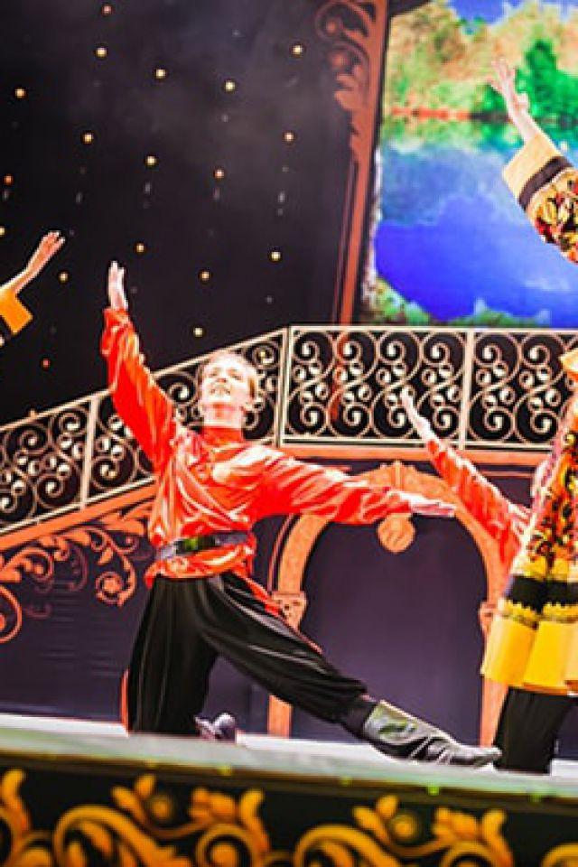 NATIONAL FOLK DANCE  @ Théatre Casino Barrière - Enghien Les Bains