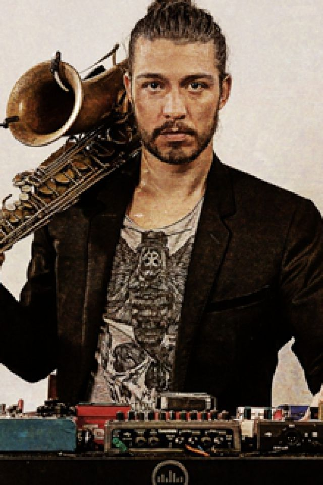 """GUILLAUME PERRET """"SOLO WITH ELECTRIC SAX"""" @ LE SILEX - AUXERRE"""