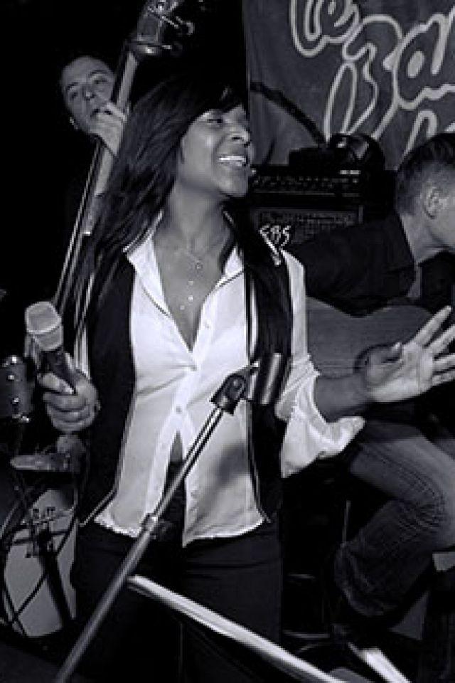 DJILL « Tout ce que je suis » en scène  @ Le Baiser Salé Jazz Club - PARIS