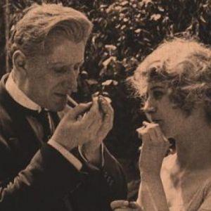 """Germaine Dulac - """"La Cigarette"""", 1919 (56min) @ Fondation Jérôme Seydoux-Pathé - PARIS"""